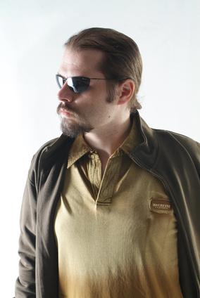 供应男士T恤 1