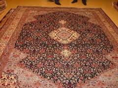 produces high quality washed silk and woolcarpet بساط المشي الطبي
