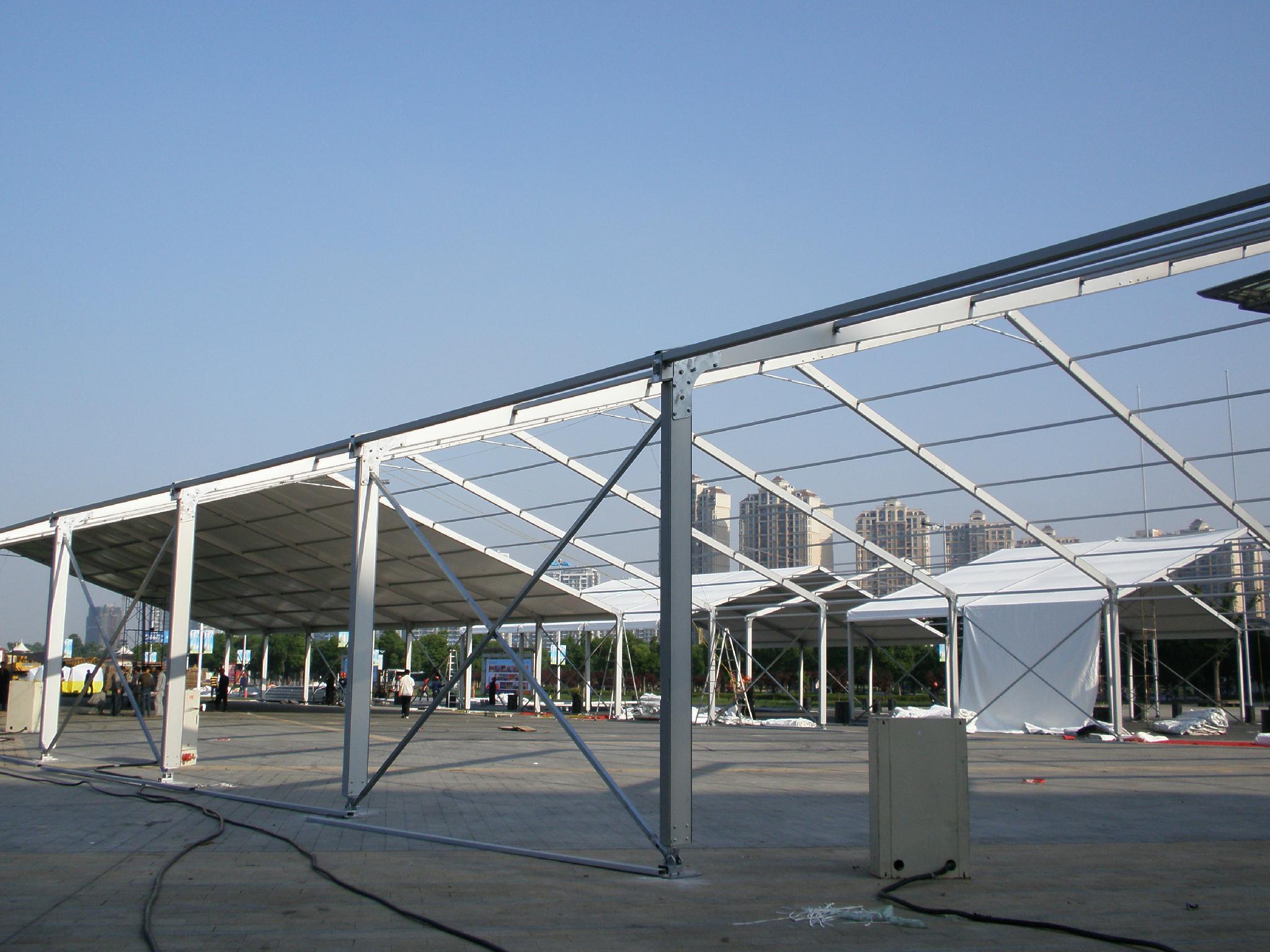 安裝大跨度航空鋁合金帳篷並提供傢具/地毯/空調/照明 1