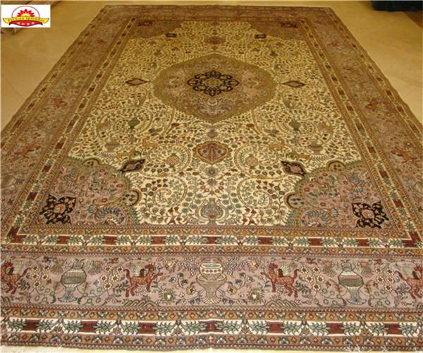 In October, the world's best carpets were selected. Yamei carpets and Tapestries 1