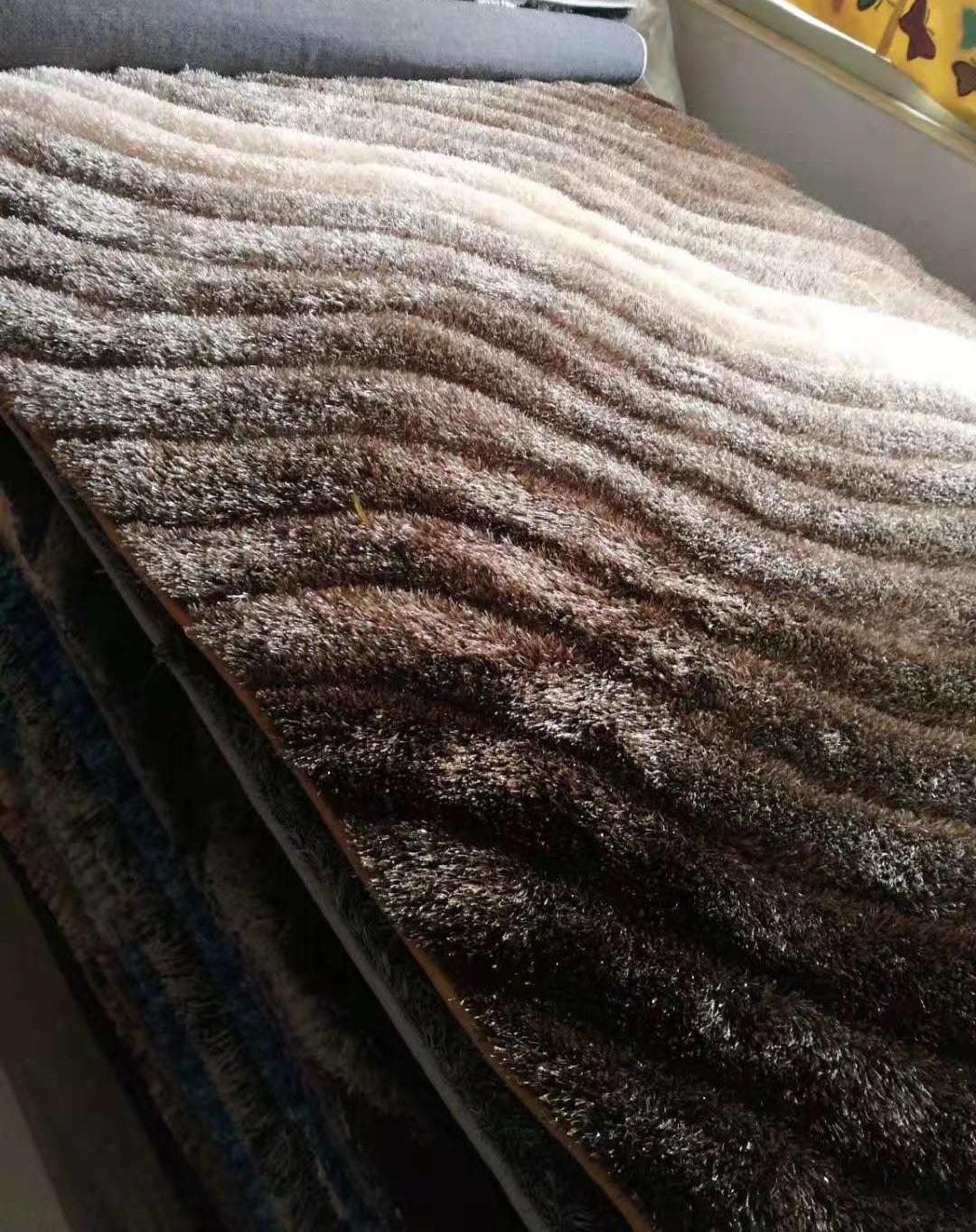 广州广园西路88号批发5G彩色冰丝加羊毛地毯 1