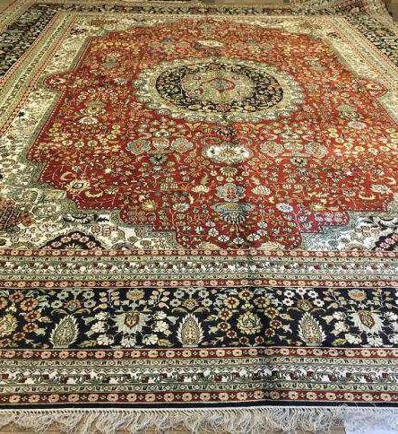 No. 18-30 Yamei Yufu provides Persian riches pattern and hand-made silk carpet 1
