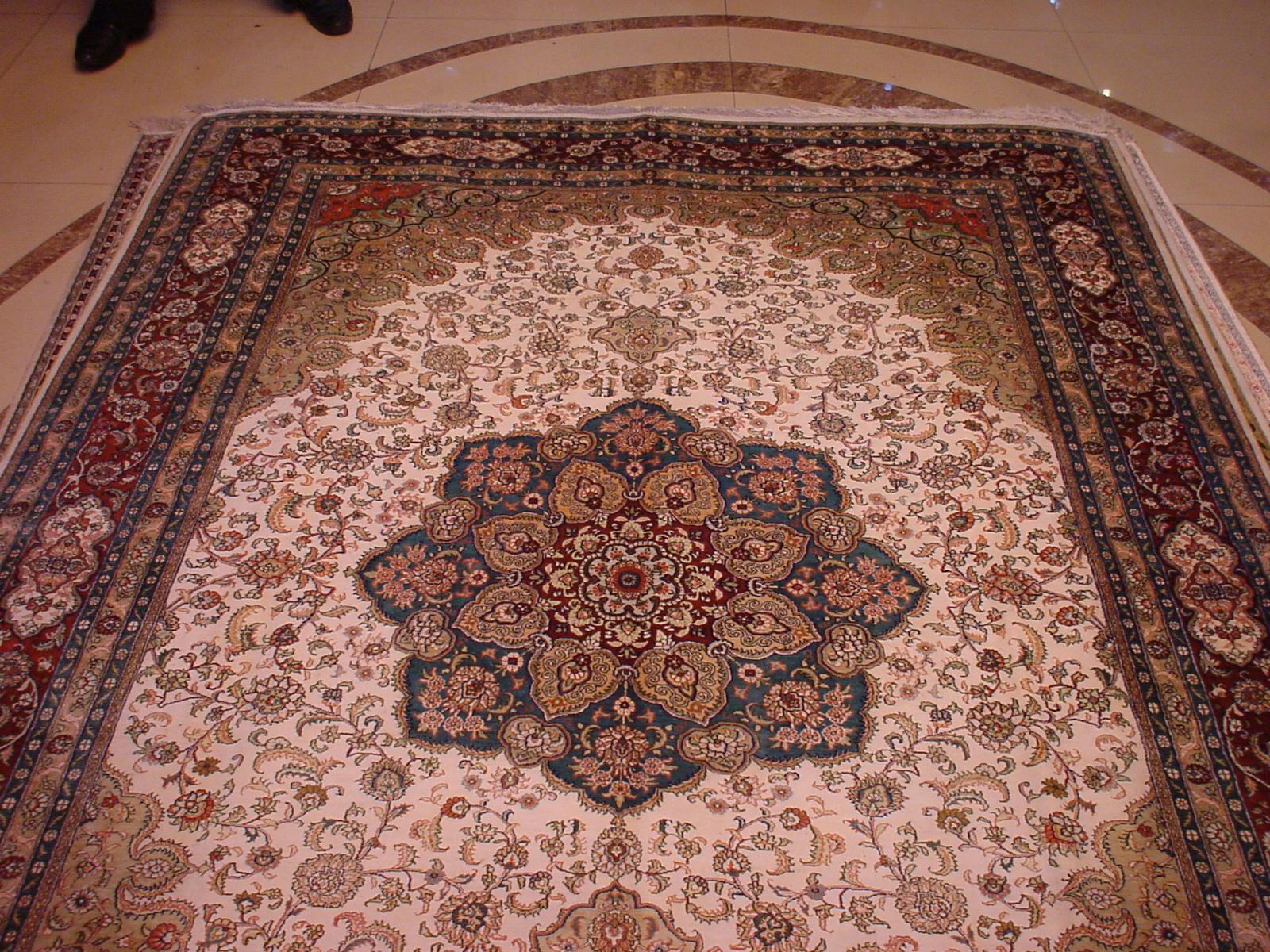 用波斯富貴地毯一定能發財! 2