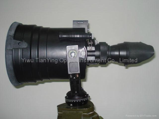 巨人5x200高性能超二代加管視頻輸出1000米微光夜視儀 -1