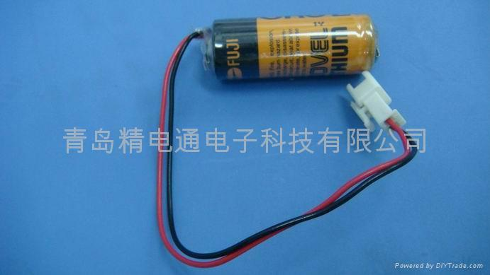 FUJI  FDK LITHIUM BATTERY CR8.L- Connector 4/5A 3V 3000mAh 1