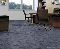 Residential broadloom carpet Cfl-s1 backing: precoat 7 color 2/4m*30m