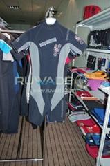 Short sleeve shorty wetsuit back zip