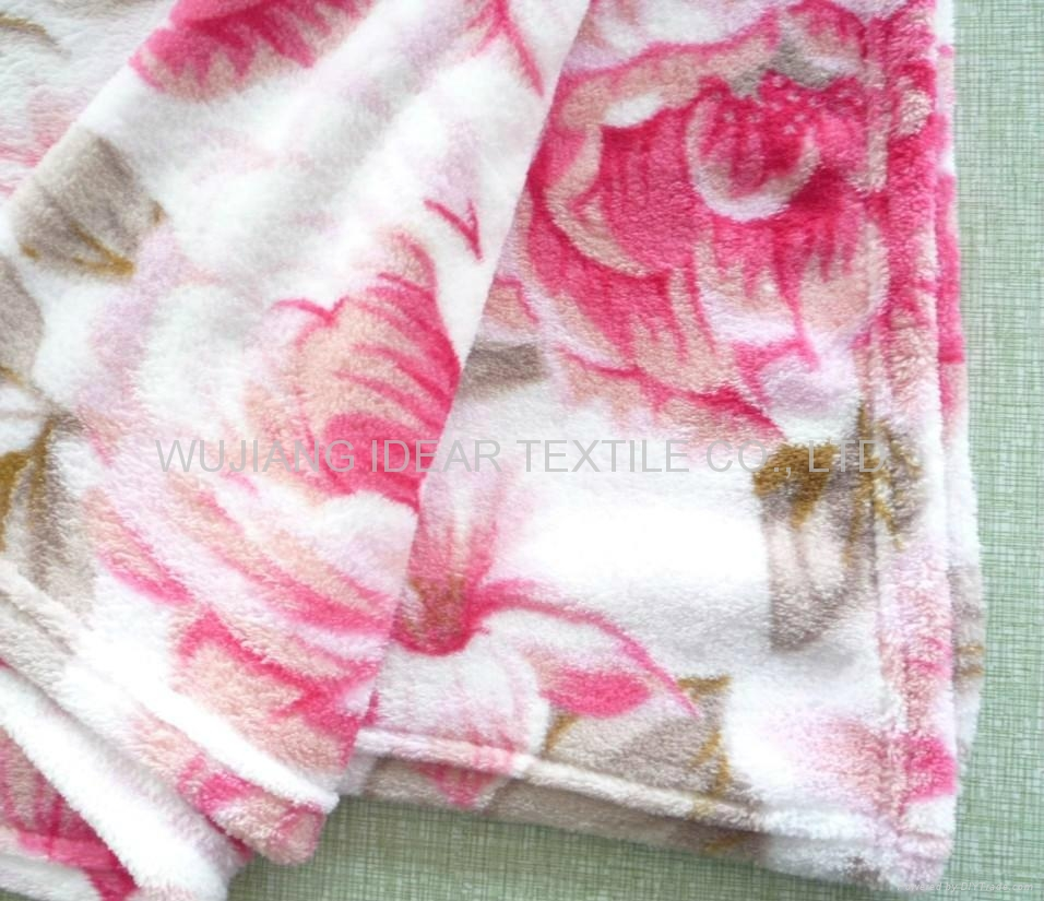 Knitted Printed Coral Fleece Fabric for Home Textile/Pajamas/Slippers