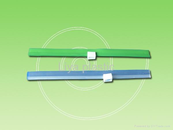 plastic puller 2