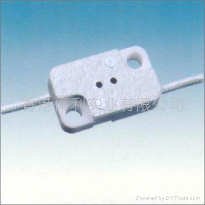 G4.0-G5.3-G6.35ceramic lamp holder in white color 1
