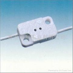 G4.0-G5.3-G6.35ceramic lamp holder in white color