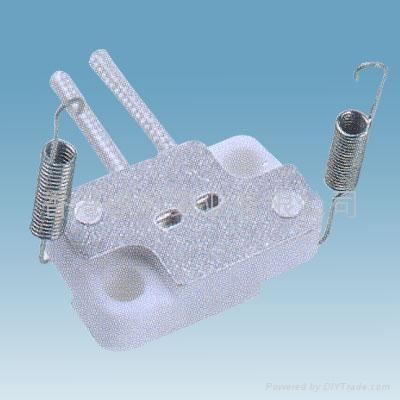 G4.0-G5.3-G6.35ceramic lamp holder in white color 2