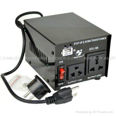 STU-100 交流昇降變壓器帶USB 2