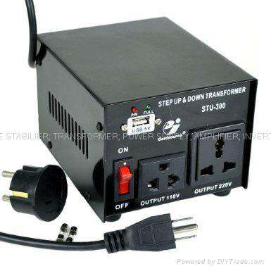 STU-300 交流昇降變壓器帶USB 2