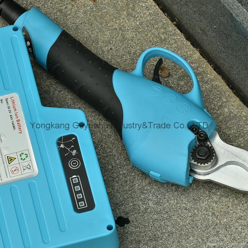 Electric Pruning Shear 8