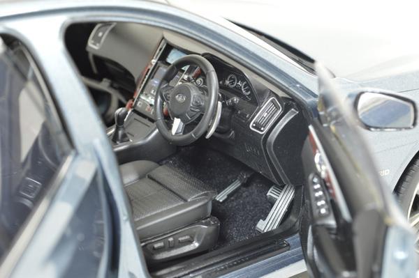 Infiniti Skyline Typ SP 2015 1/18 Scale Diecast Model Car 5