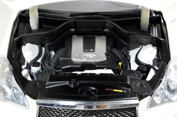 Infiniti QX50 2016 1/18 Scale Diecast Model Car 5