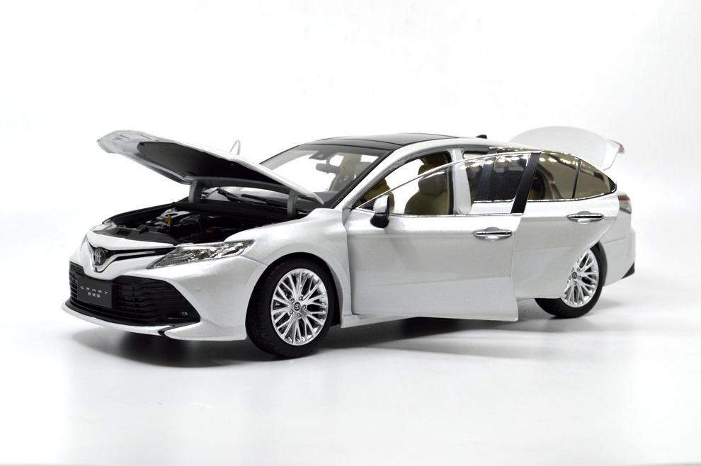 Paudi 1:18 Toyota Camry 2018 Die-cast model carl 3