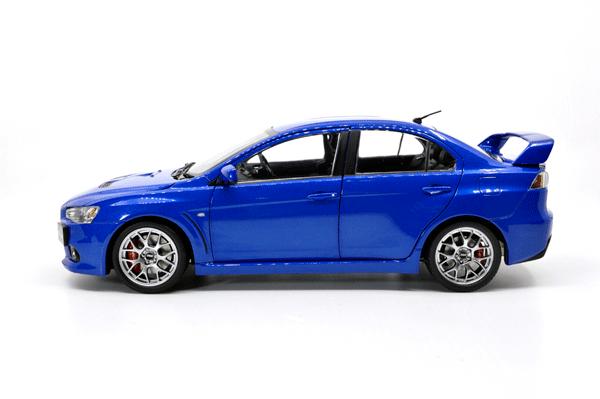 Paudi 1/18 Scale Mitsubishi Lancer Evolution X Collectable Right peptide version 2