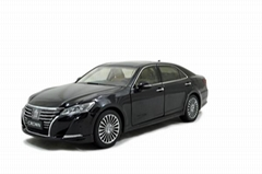 Toyota Crown 2015 1/18 S