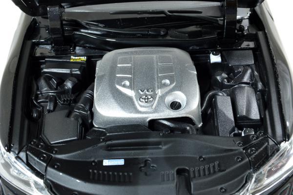 Toyota Crown 2015 1/18 Scale Diecast Model Car Wholesale 5