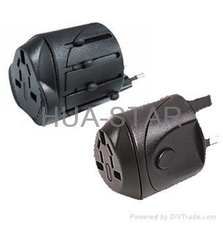 Universal travel adapter plug   1