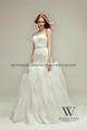 2014新款魚尾蕾絲釘珠婚紗 3