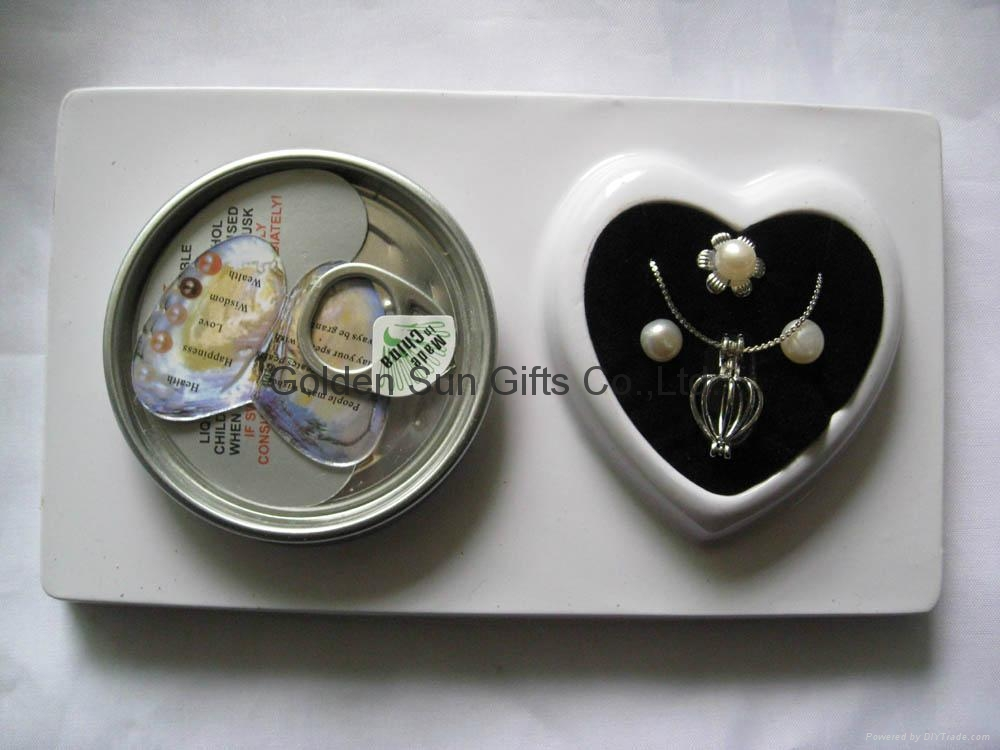 Love Pearl in Necklace+Earring+Ring in English Box 1