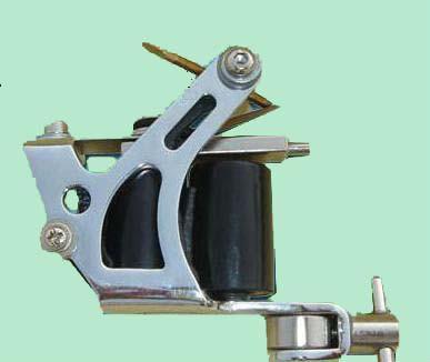 配置电源线)配1个360度脚踏开关1条勾线   //3台专业纹身机头(10线圈)