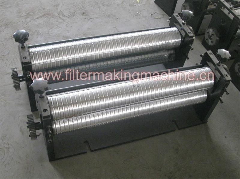 Rotary pleating machine 4