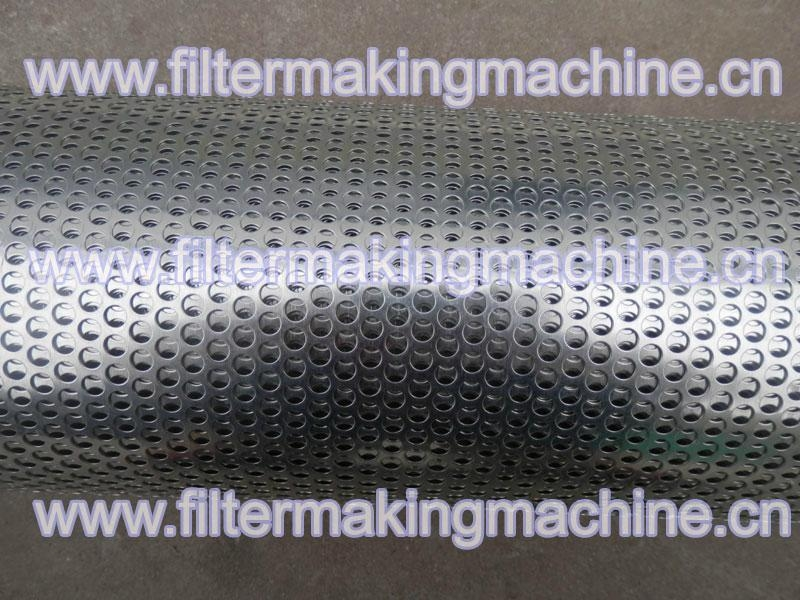 Perforated mesh for filters