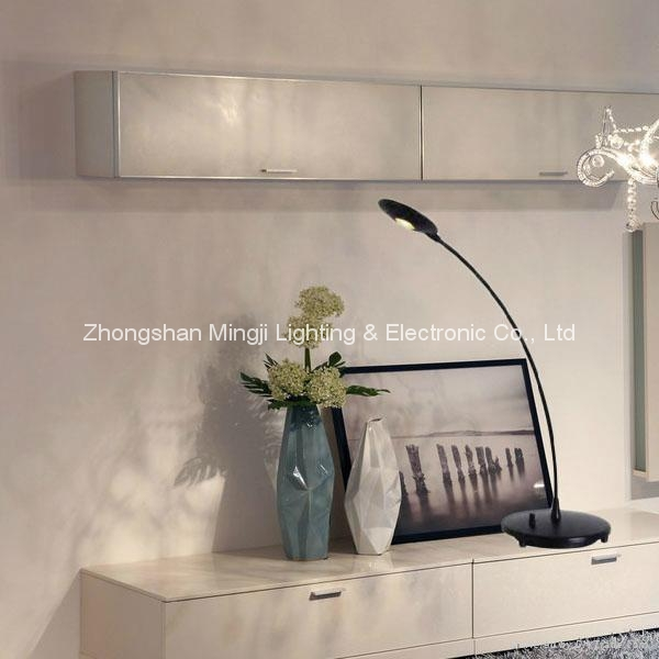 2015 LED Table lamp-Desk lamp dimmable  1