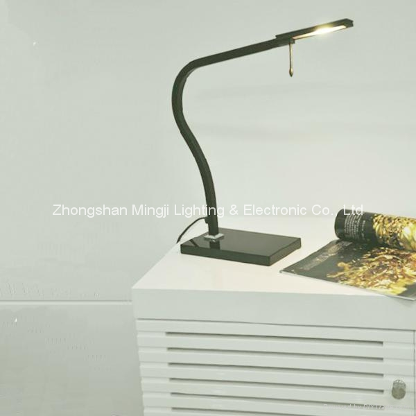 2015 LED Table lamp-Desk lamp dimmable  3
