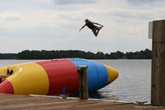 水上弹跳垫子
