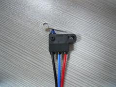 原装进口OMRON D2HW-C221M 密封防水小型微动开关 带线