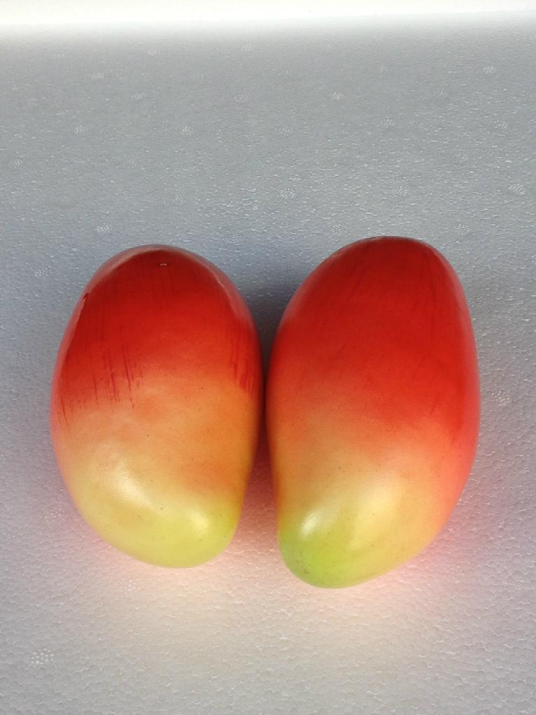 Simulation of fruit (grapes)