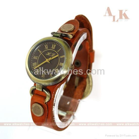 仿古牛皮繩手錶 1
