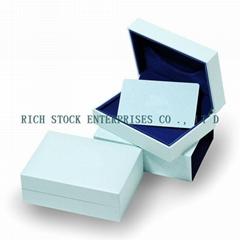 plastic pendant box