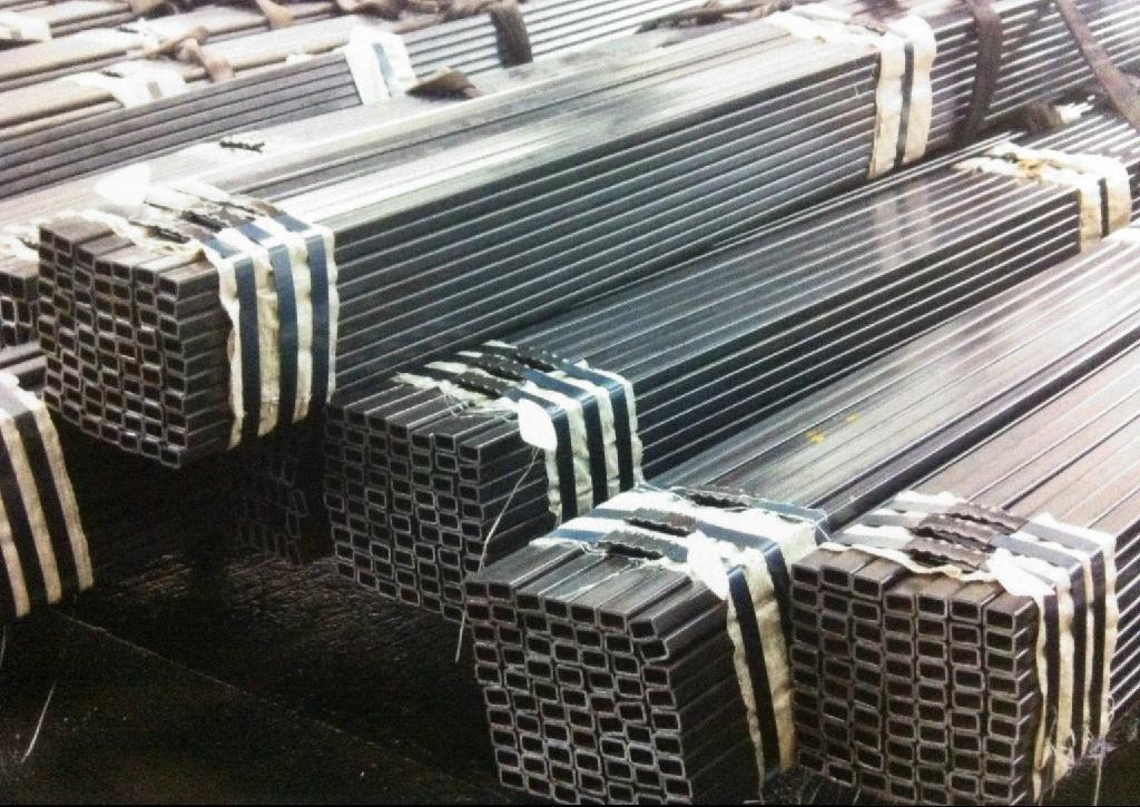Square steel pipe/Plaza de tubos de acero/Praça da tubulação de aço 1