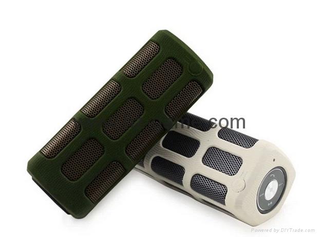 新款X6小橄榄球带灯LED蓝牙音箱发光玄幻音响无线迷你蓝牙低音炮 16