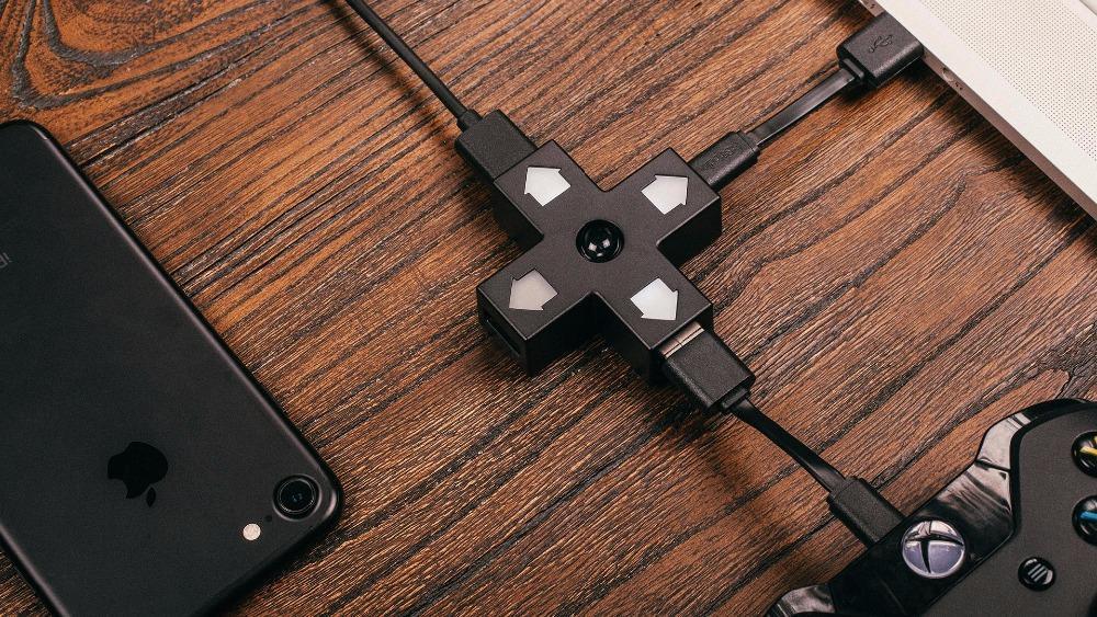 8BitDo Dpad USB hub 1 input 3 USB Charge Ports2.0 Directional pad shaped Hub 7