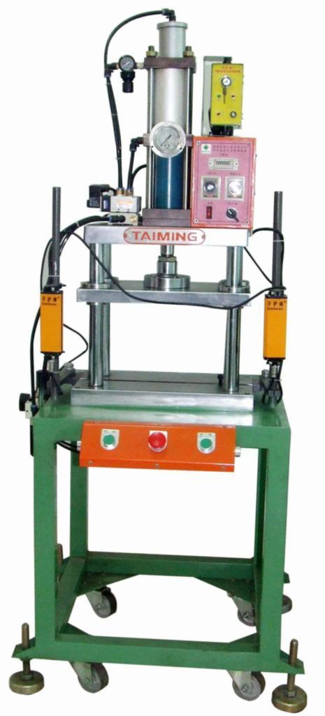 台式门型增压机 2