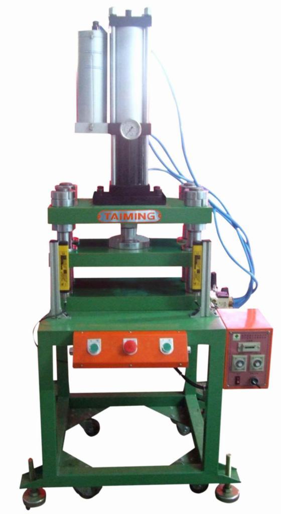 台式门型增压机 3