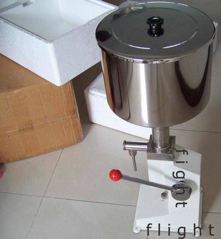 優質手動液體灌裝機 3