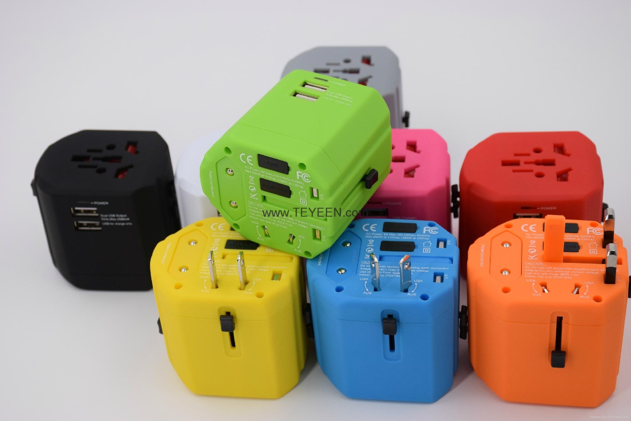 经典款双USB多功能插头  DY-019 17
