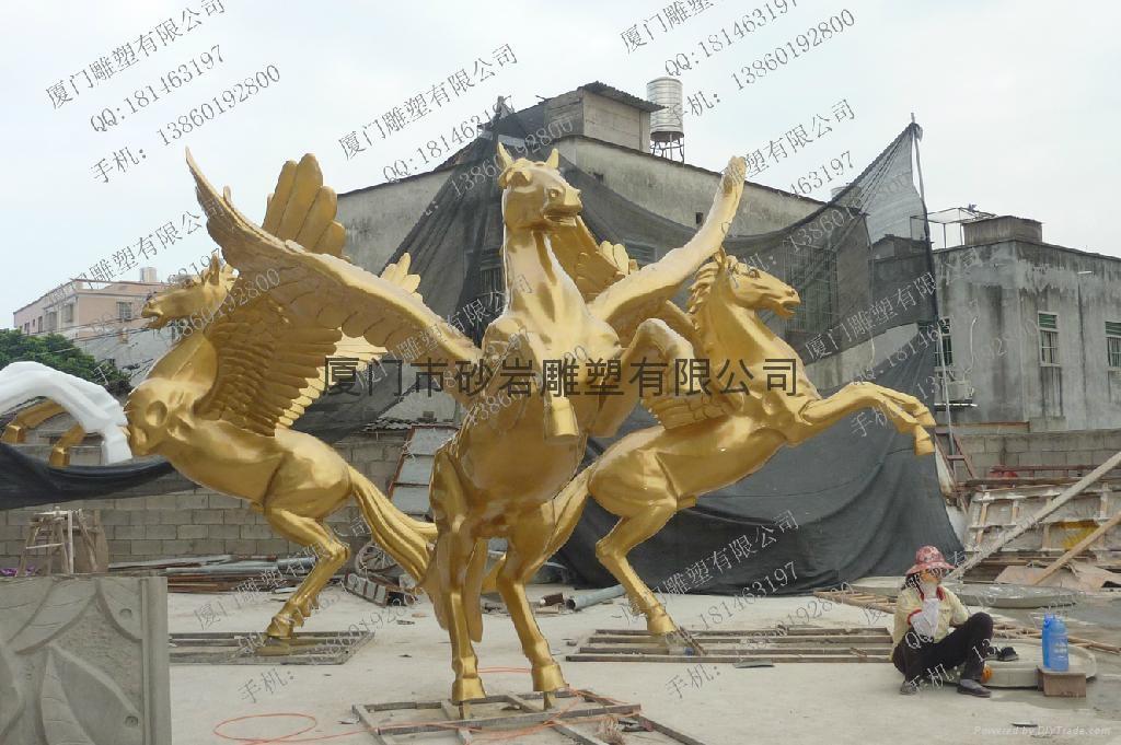 土豪金马雕塑 1