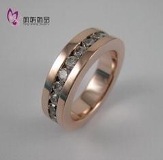 逼鑲石戒指