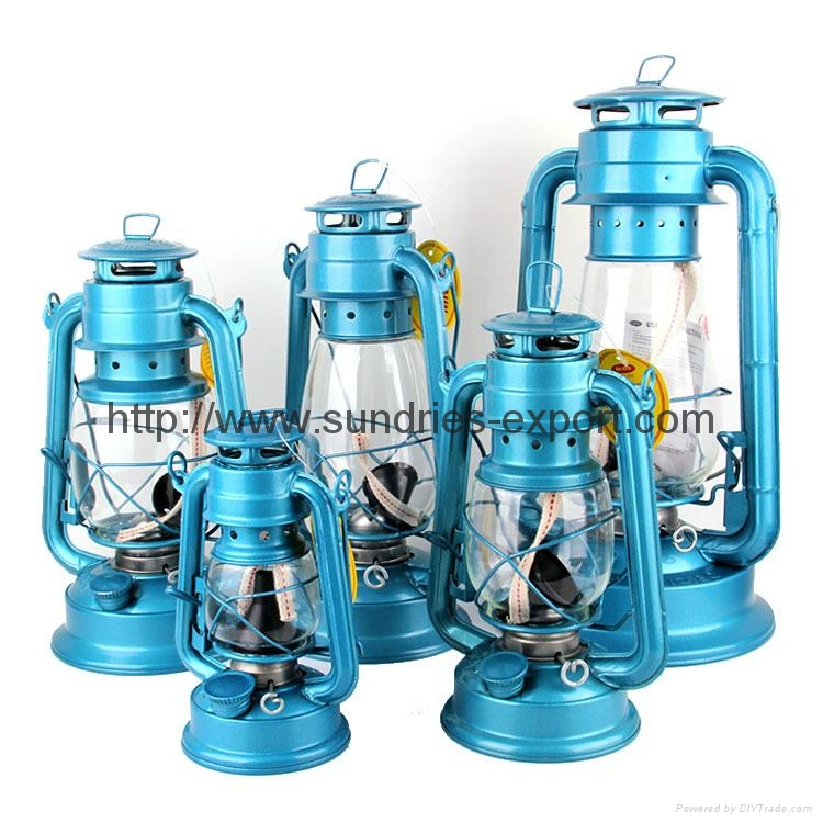 Hurricane Lanterns / Kerosene Lanterns