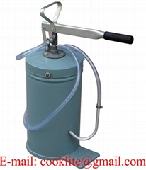 Hand operated bucket lubrication pump lever oil dispenser
