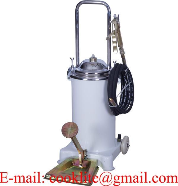 Oil pump pedal lubricator High pressure equipment 12L